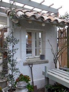 アンティーク窓施工事例|アンティーク建具でDIYリニューアルした花屋さん