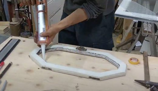 カスタマイズで納得のアンティークドアを手に入れる|ガラス交換など加工お受けします